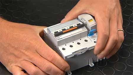 Btdin circuit breaker accessories