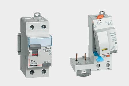 Salvavita earth-leakage modules and circuit breakers
